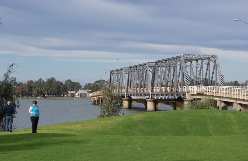 Bridge spanning Lake Mulwala taken from NSW side
